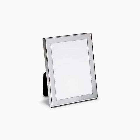 Rectangular frame in pewter.