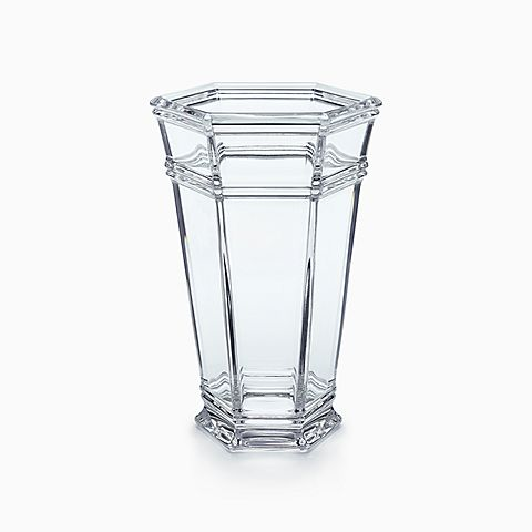 Windham vase in crystal.