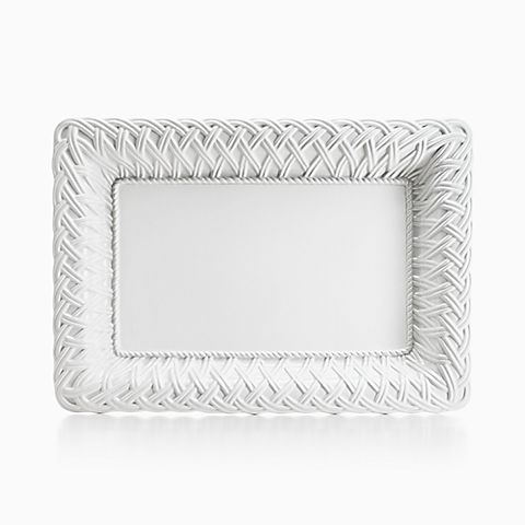 White Woven rectangular platter in earthenware.