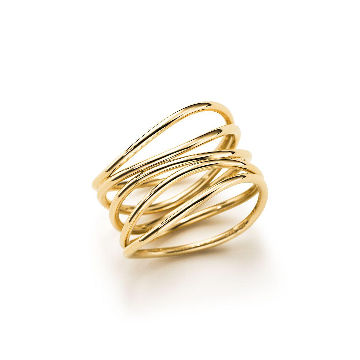 Elsa Peretti® Wave ring in 18k gold.   Tiffany & Co.