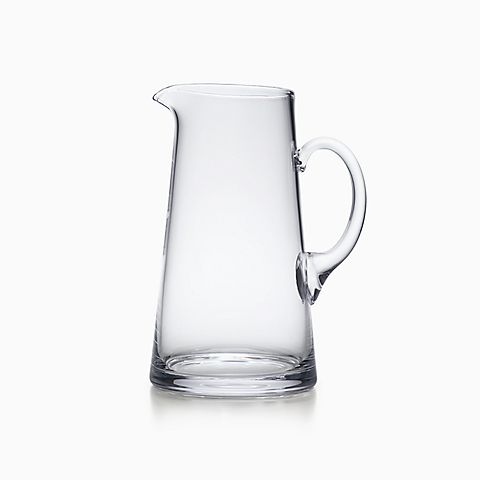 Tankard-shaped pitcher in crystal.