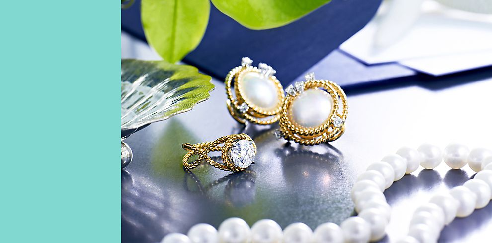Pearl Necklace And Other Mother Of The Bride Groom Gift Ideas