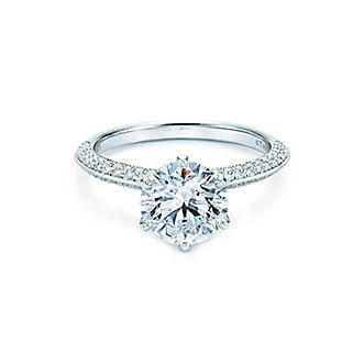 bague de fiancaille diamant tiffany and co bijoux co teux. Black Bedroom Furniture Sets. Home Design Ideas
