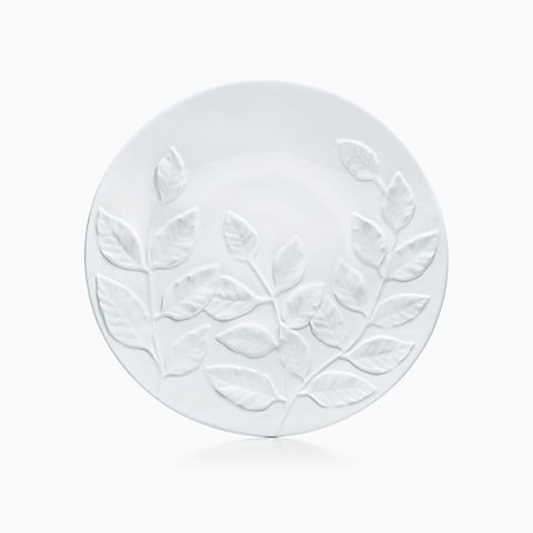 Leaf platter in bone china.