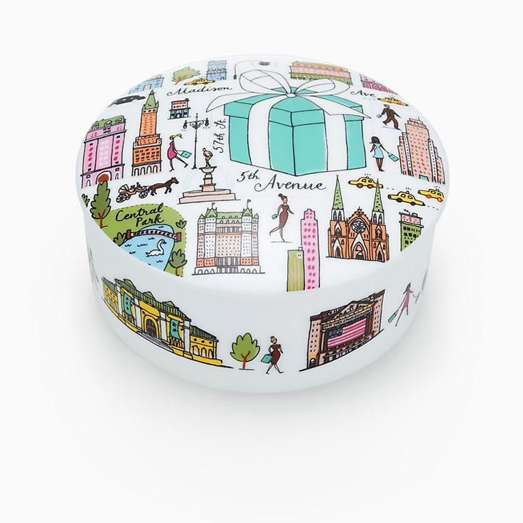 Tiffany & Co.® Fifth Avenue box in bone china.