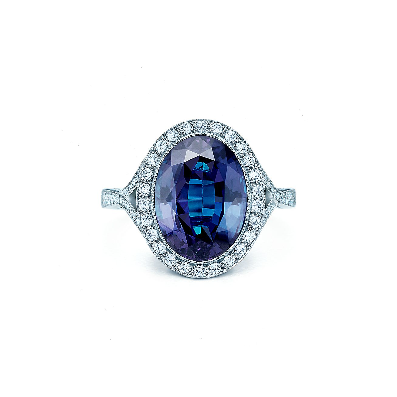 Alexandrite and<br>Diamond Ring