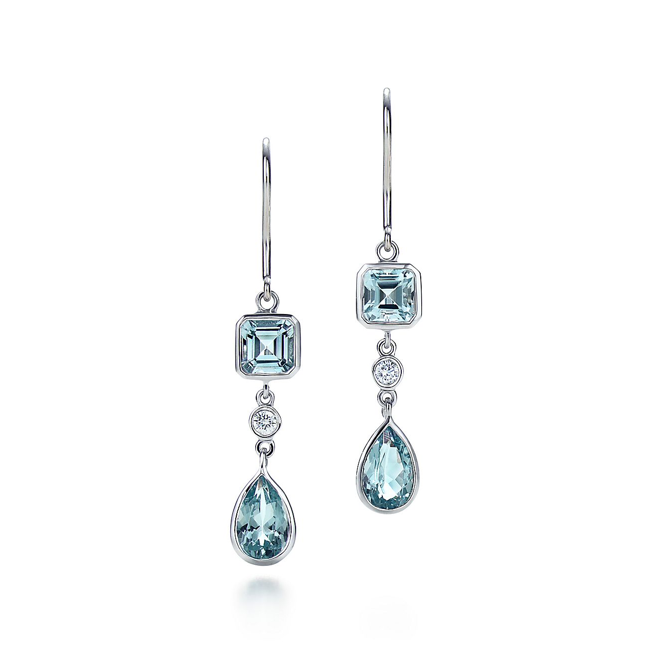 Aquamarine and diamond<br>Drop earrings