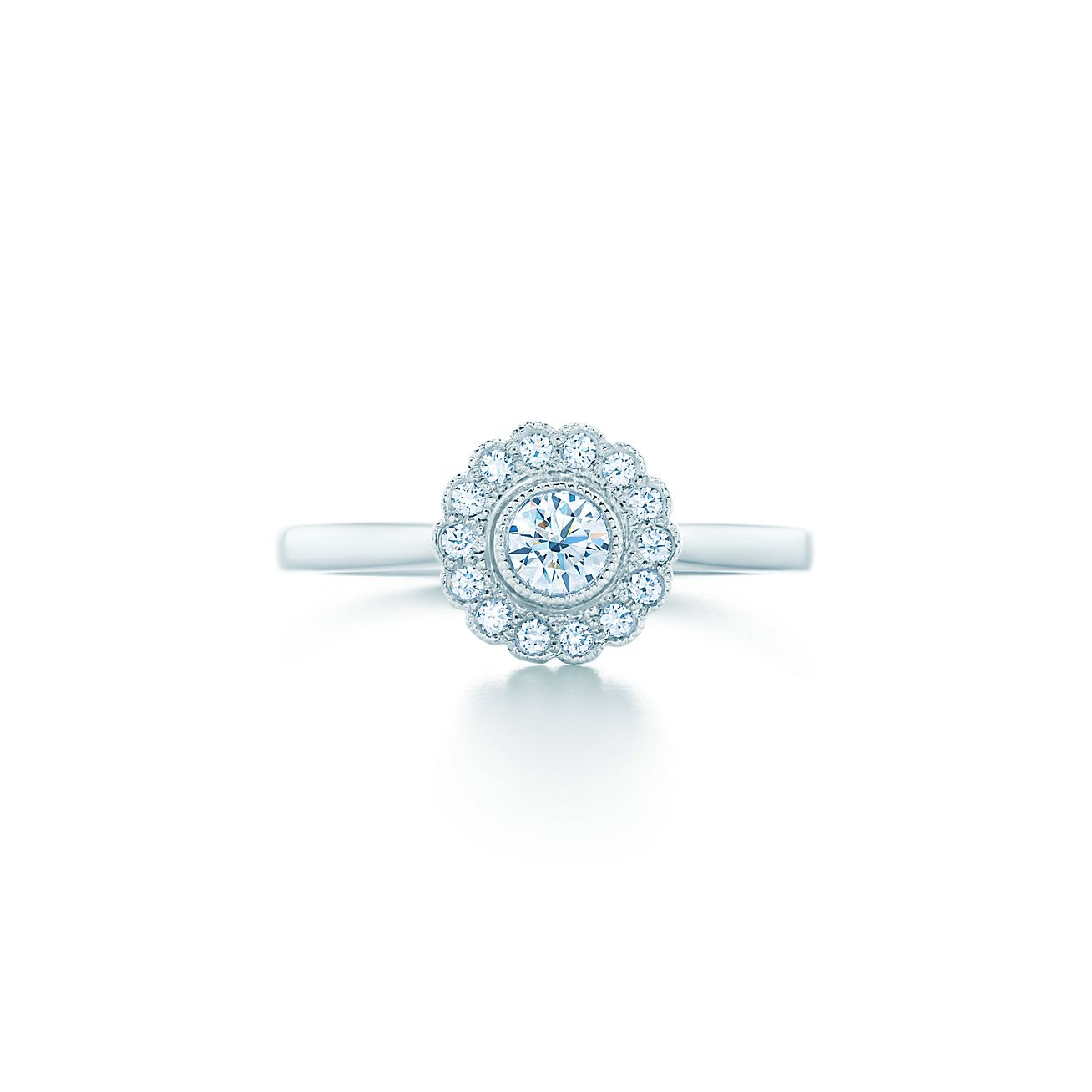 Tiffany Enchant™ flower ring in platinum with round brilliant diamonds Carat