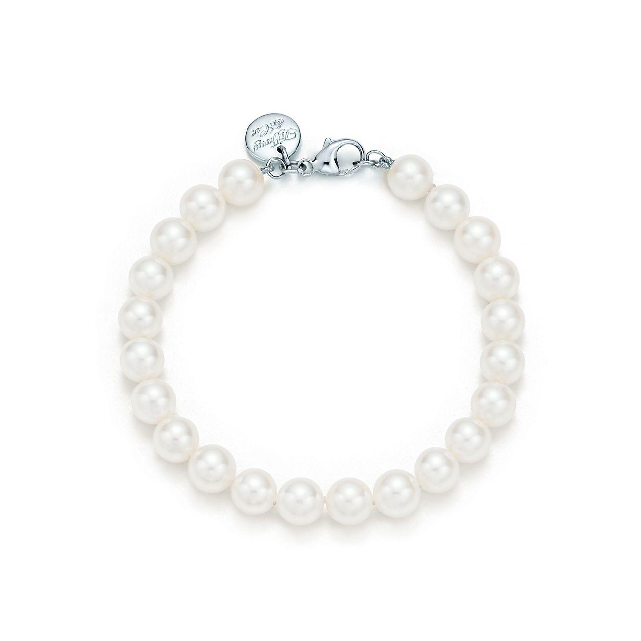 tiffany essential bracelet of akoya pearls with an 18k