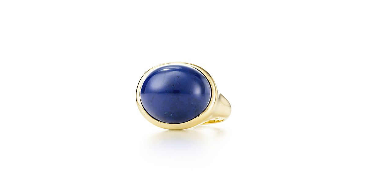 Elsa Peretti Cabochon ring in 18k gold with lapis lazuli 19 mm wide