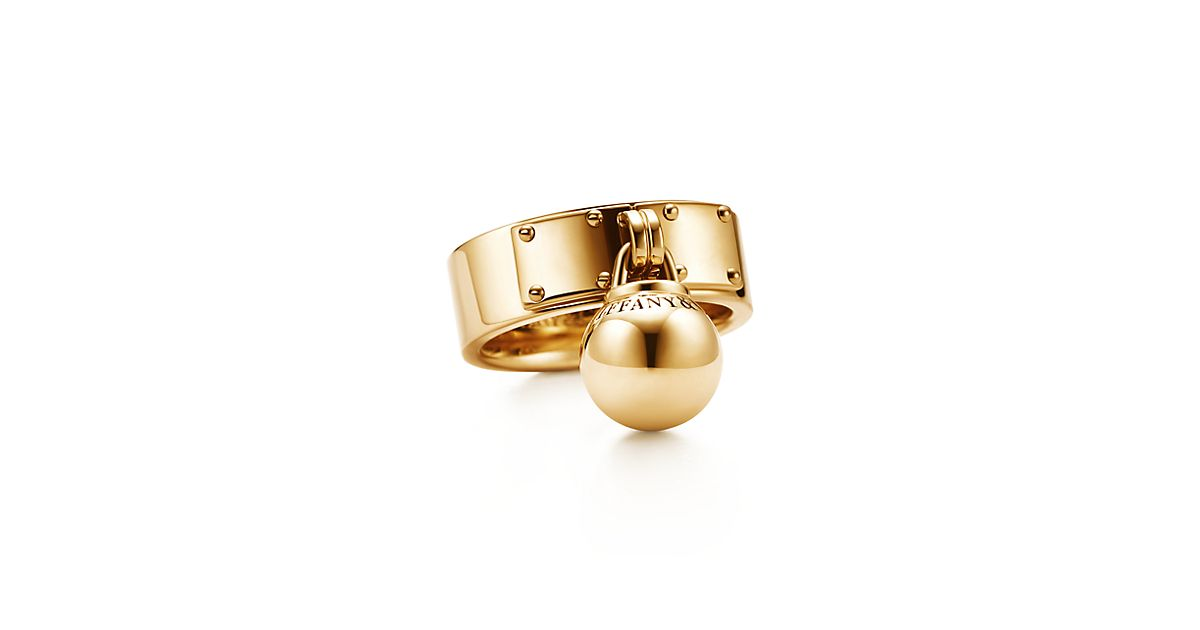 Tiffany HardWear ball dangle ring in 18k gold