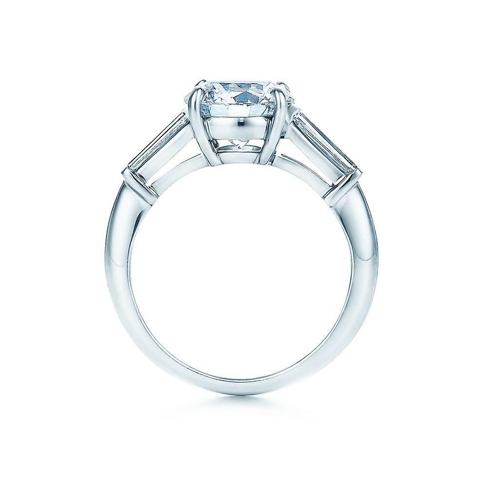 Round Brilliant With Tapered Baguettes Engagement Rings | Tiffany & Co.