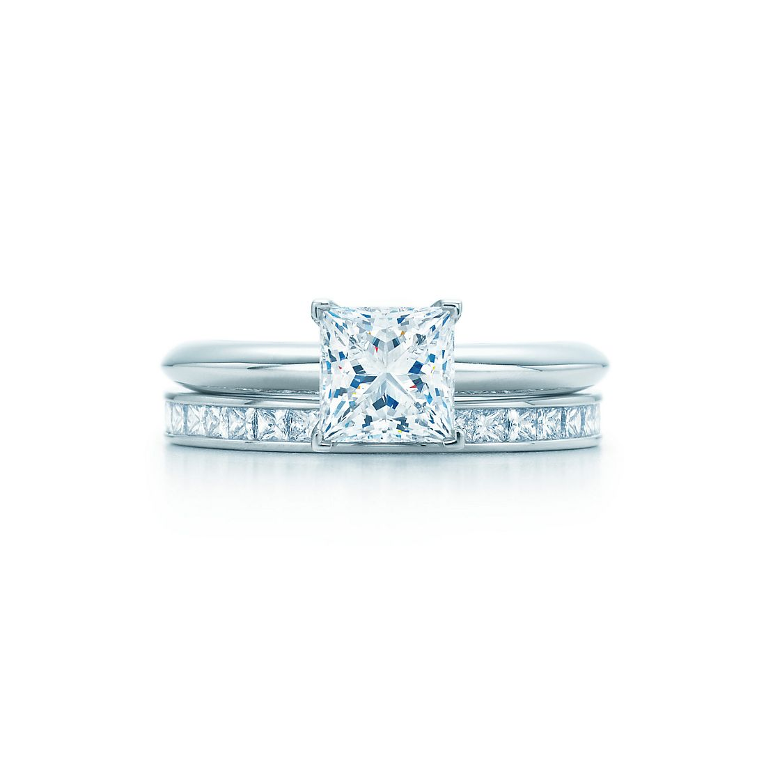 Princess Cut Engagement Ring With Round Wedding Band