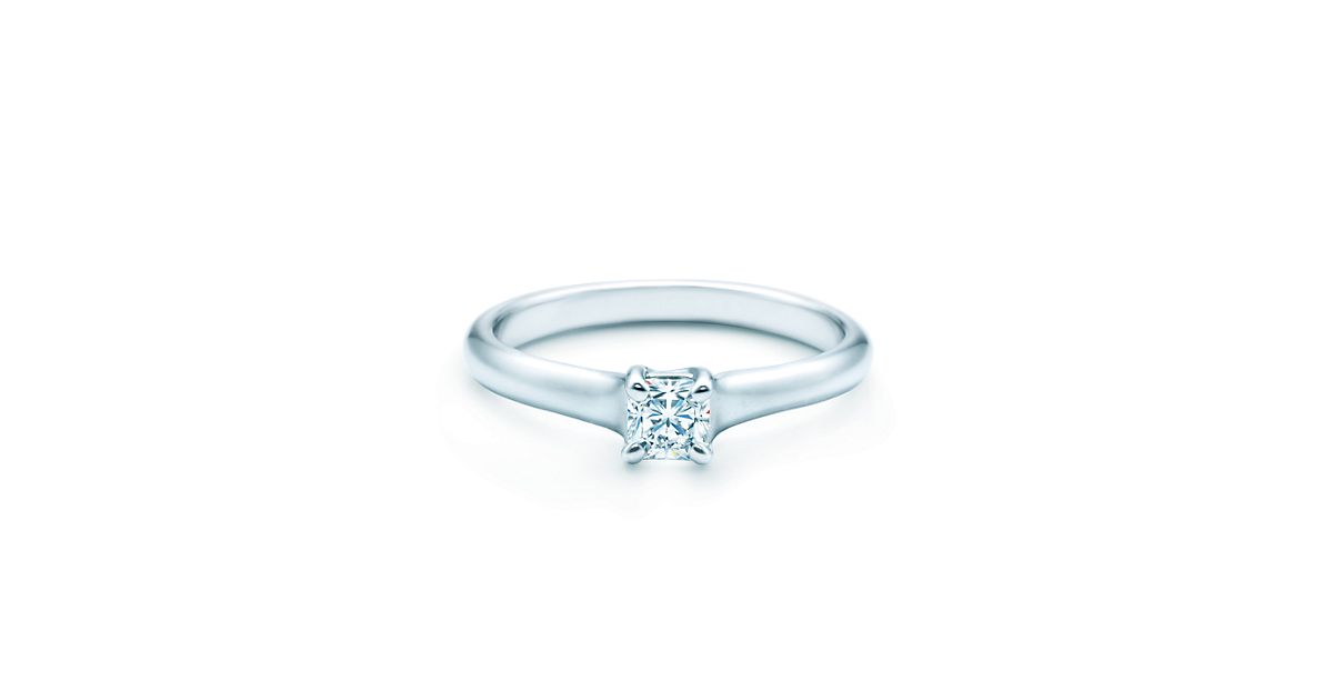 Lucida Engagement Rings