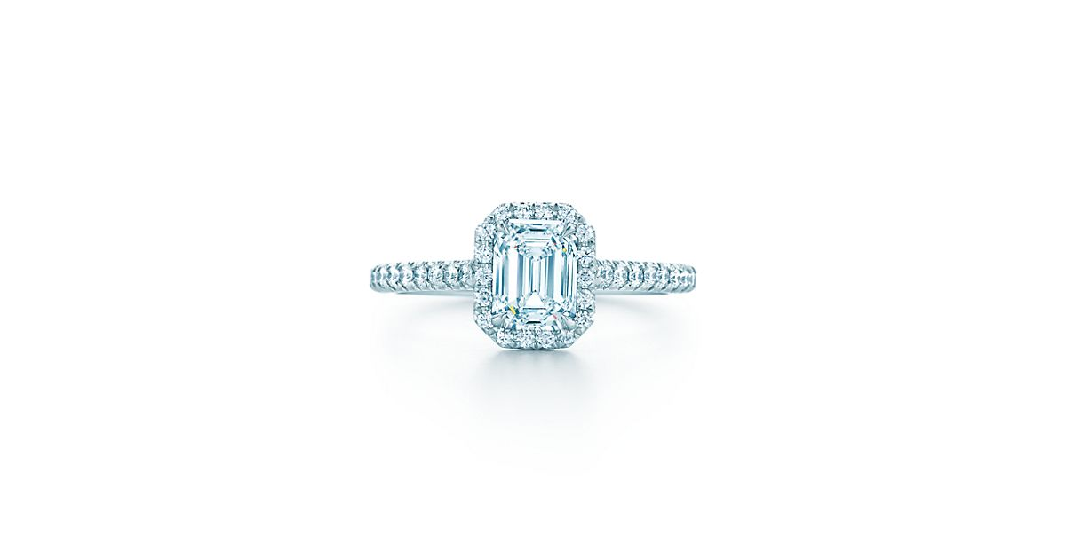 tiffany soleste bague diamant taille meraude bagues de fian ailles tiffany co. Black Bedroom Furniture Sets. Home Design Ideas