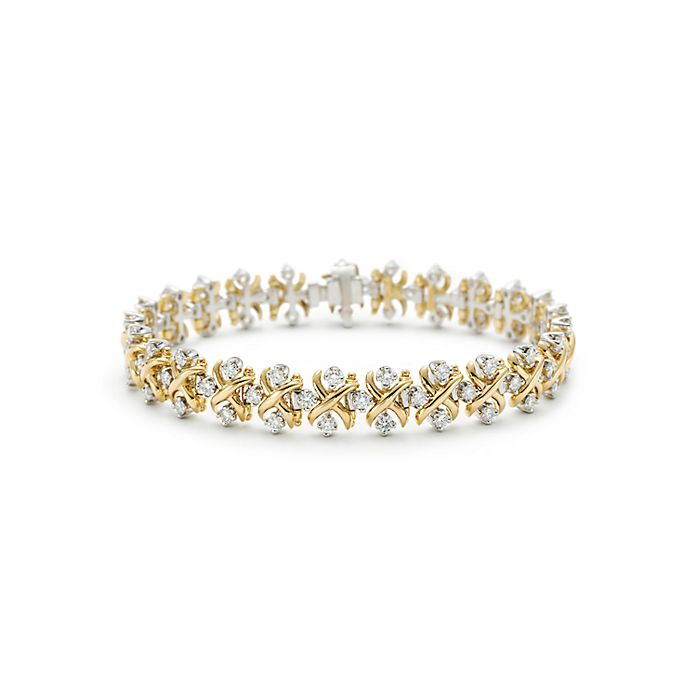 c8f0a8a70 Tiffany & Co. Schlumberger Lynn bracelet in 18k gold with diamonds ...