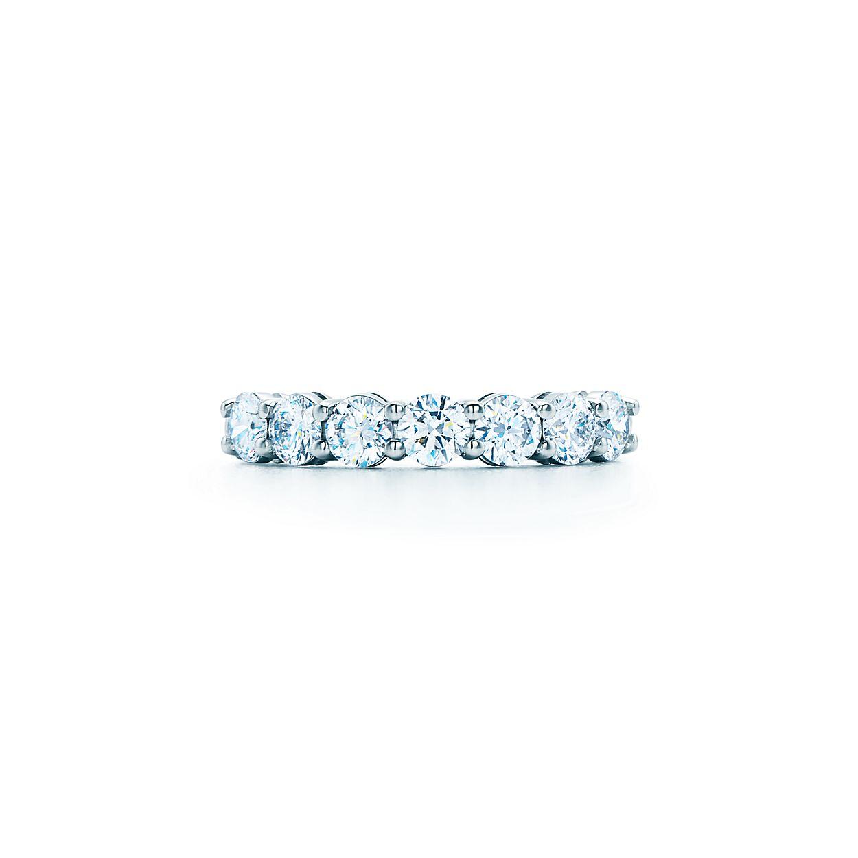 Tiffany wedding band in platinum, 3 mm wide - Size 4 1/2 Tiffany & Co.