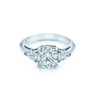 Обручальные кольца с тремя камнями   Tiffany   Co. a8d2603dd1d