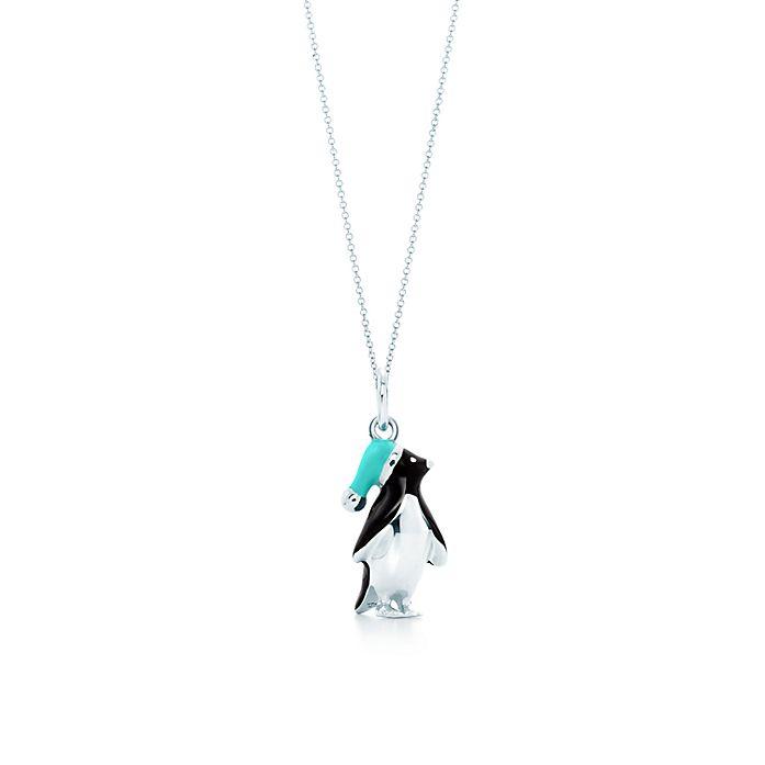 530eed9517 Ciondolo pinguino, in argento su catena. | Tiffany & Co.