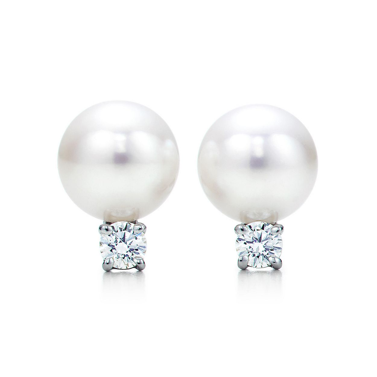 Tiffany Signature Pearls Earrings