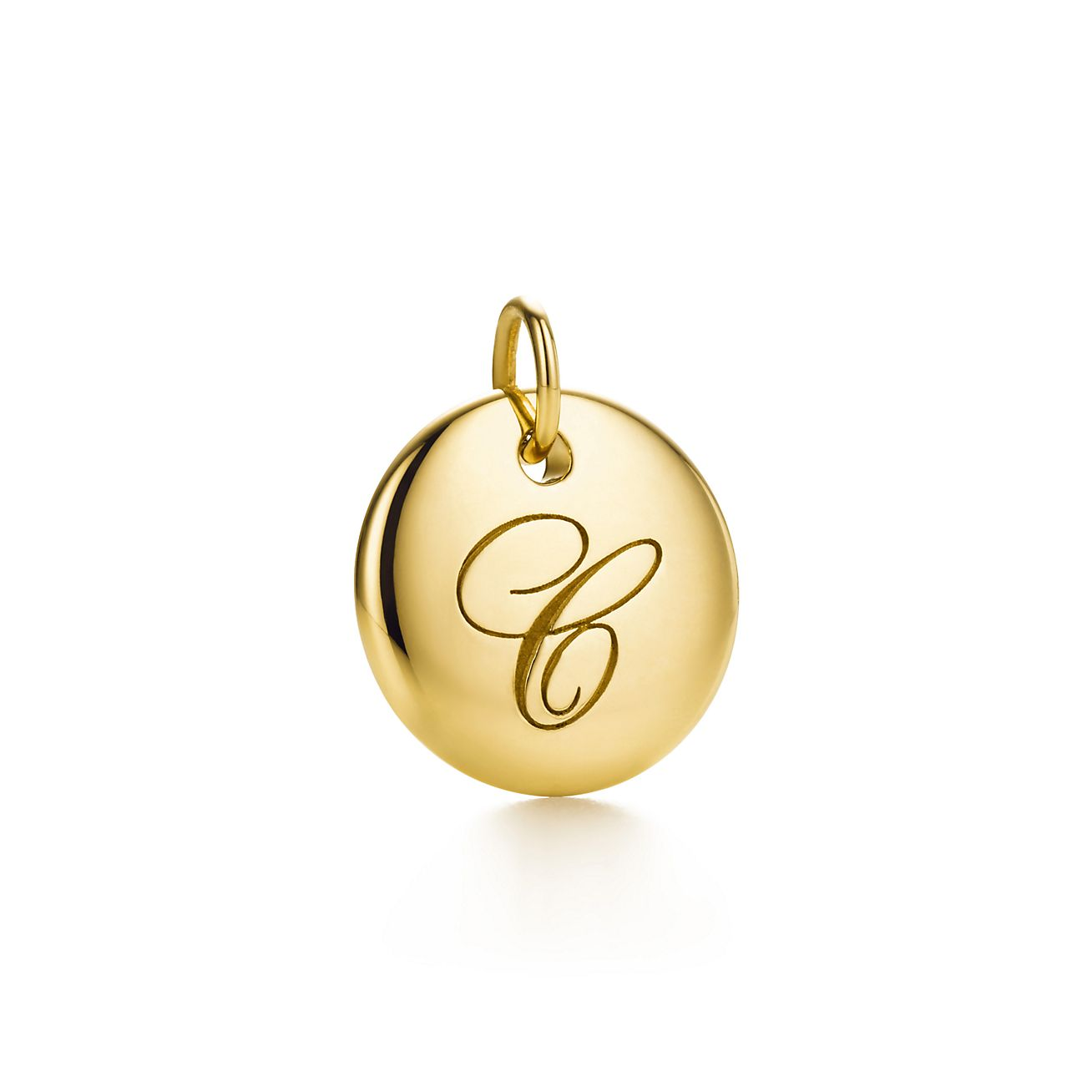 Tiffany Notes alphabet disc charm in 18k gold, small Letters A-Z available - Size C Tiffany & Co.