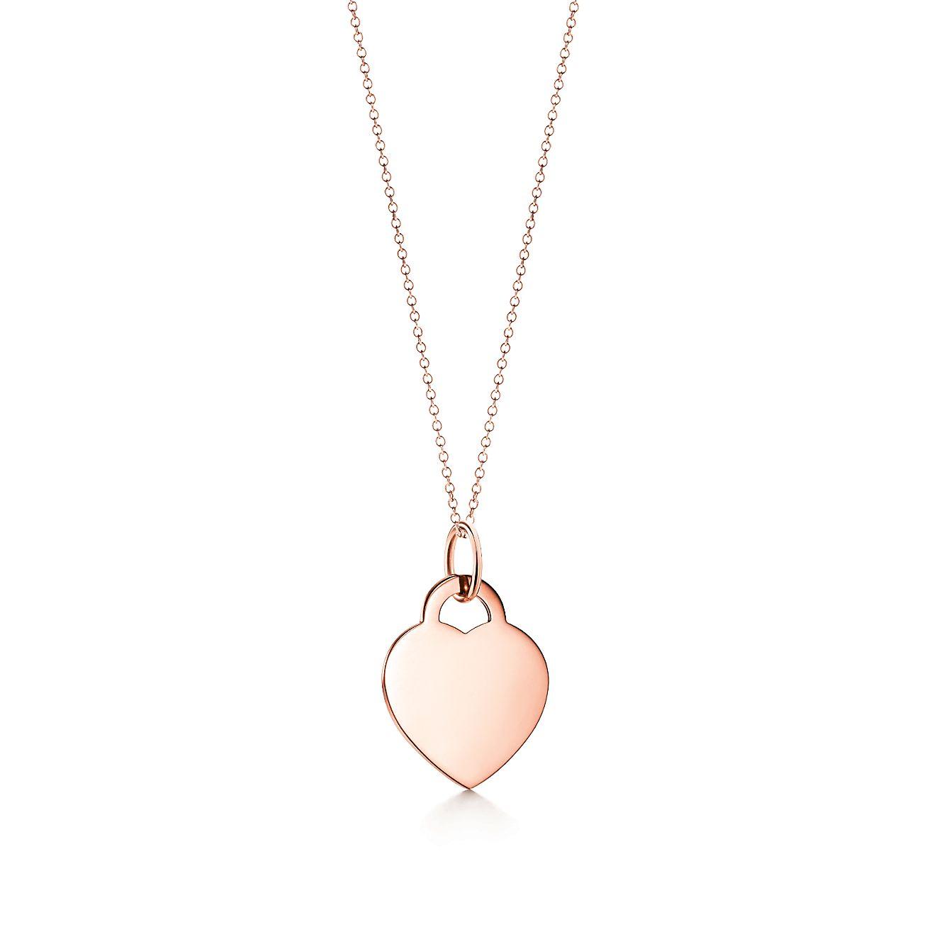 Volver Al Encanto De La Etiqueta Del Corazón De Tiffany En Oro De 18 Quilates, Tiffany & Co Medio De Rosas.