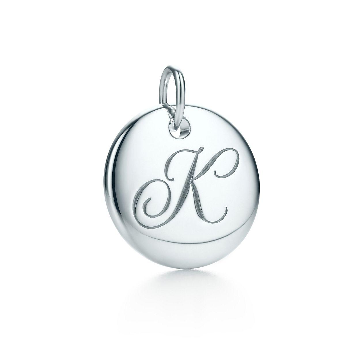Tiffany Note Charme Du Disque Alphabet En Argent, Les Petites Lettres Az Disponible - Taille K Tiffany & Co.