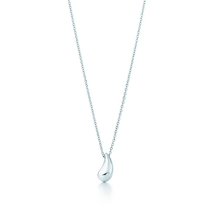af90ddeee Elsa Peretti® Teardrop pendant in sterling silver. | Tiffany & Co.