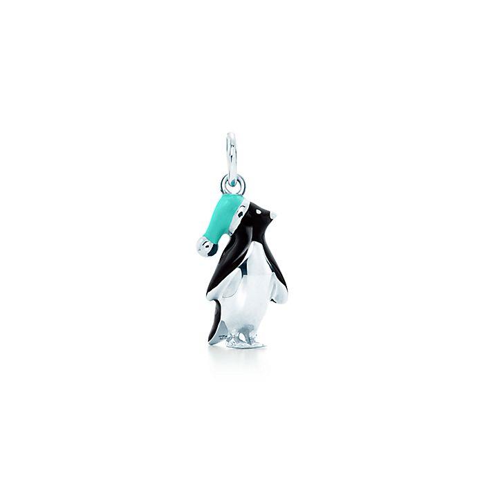 a525095189 Ciondolo pinguino in argento. | Tiffany & Co.