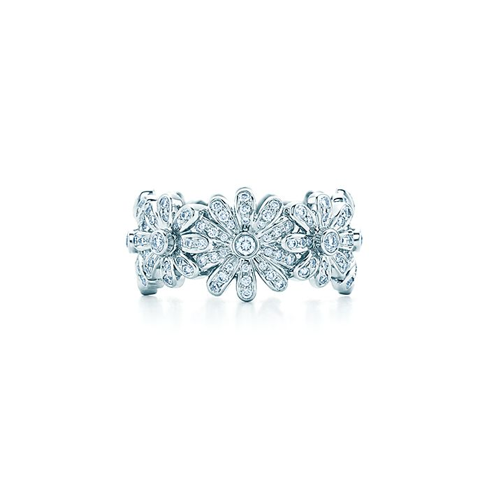 d94d0f19ee01 Tiffany   Co. Schlumberger® Daisy ring in platinum with diamonds ...