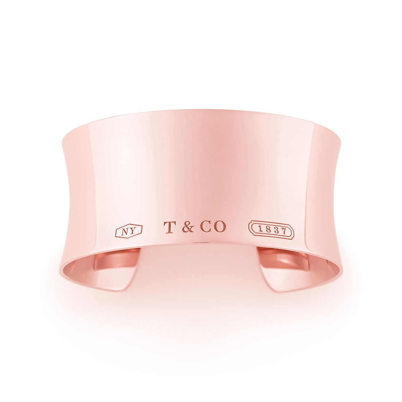Tiffany 1837® wide cuff in Rubedo® metal, medium. | Tiffany & Co.