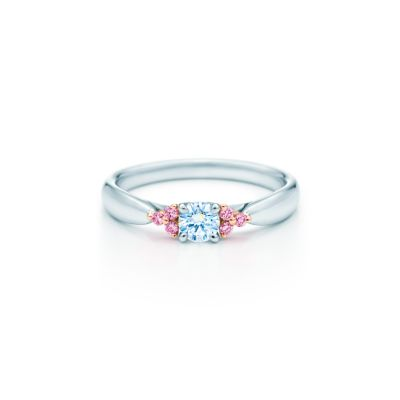 Tiffany Harmony Fancy Pink diamond side stone ring in rose gold and
