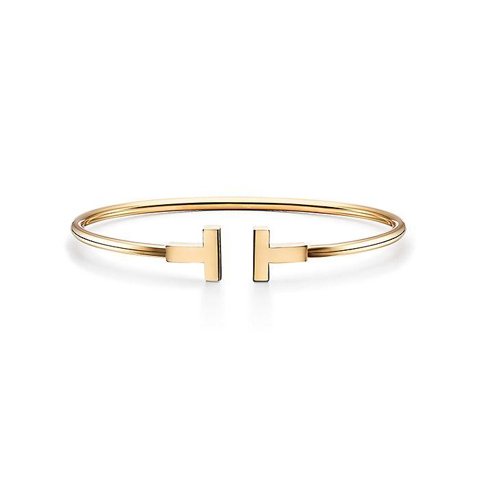e670d0171 Tiffany T wire bracelet in 18k gold, medium. | Tiffany & Co.