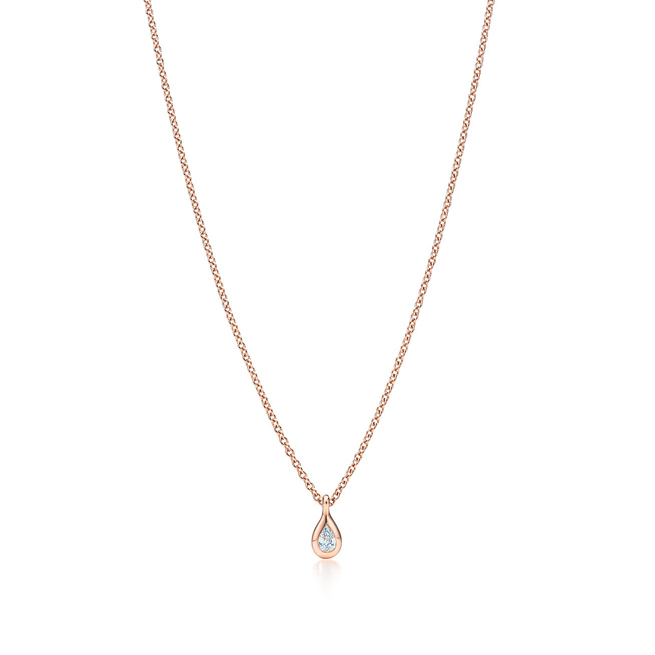 pear diamond golden shaped pendant white en solitaire with carat