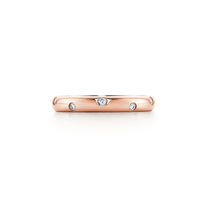 5303b6946 Etoile band ring in 18k rose gold with diamonds, 3 mm wide ...