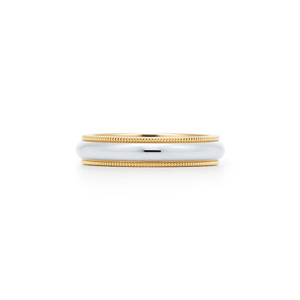 Tiffany Classic milgrain wedding band ring in platinum, 2 mm wide - Size 7 1/2 Tiffany & Co.