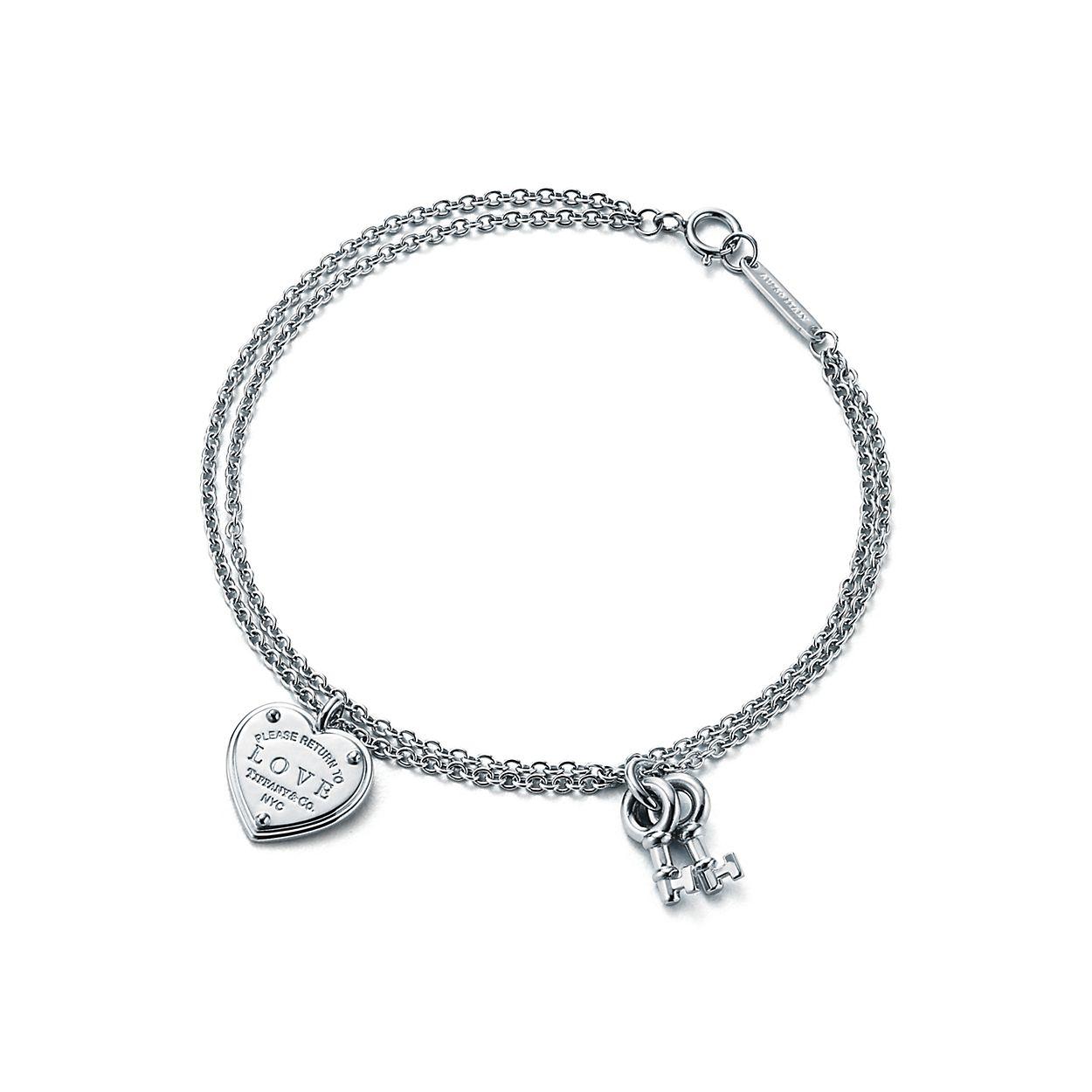 Retour Au Coeur Tag Tiffany En Argent Sterling Sur Un Bracelet De Perles, Un Grand Tiffany & Co.