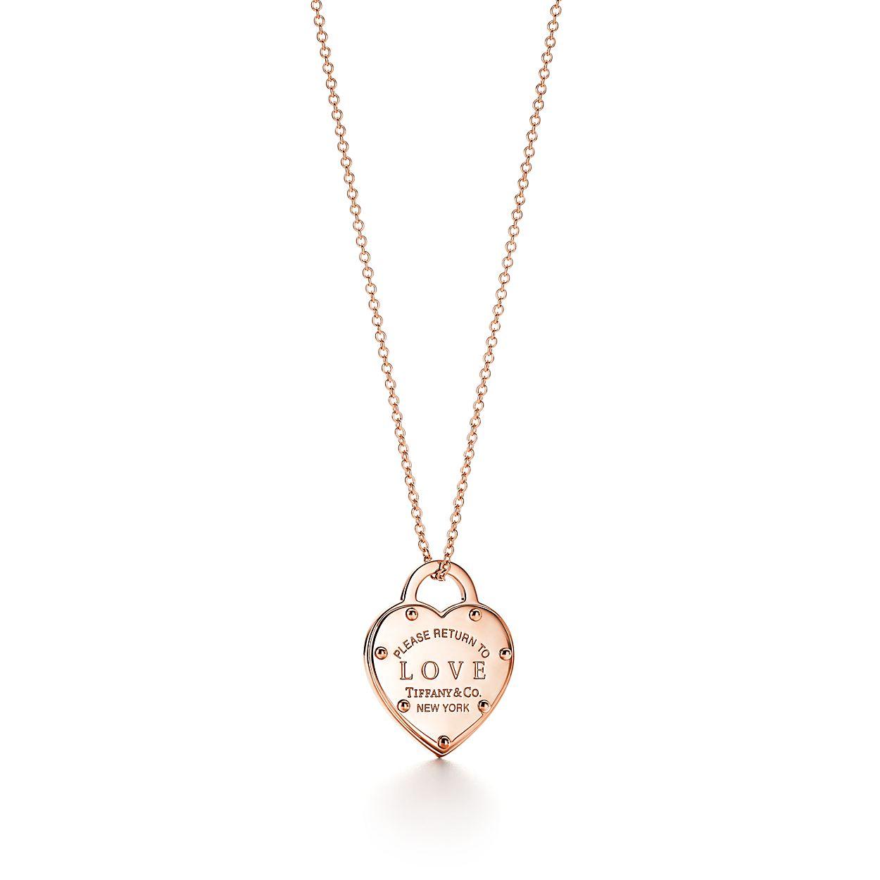 Pendentif portant l inscription « Love » en or rose 18 carats ... 66acccd3f962