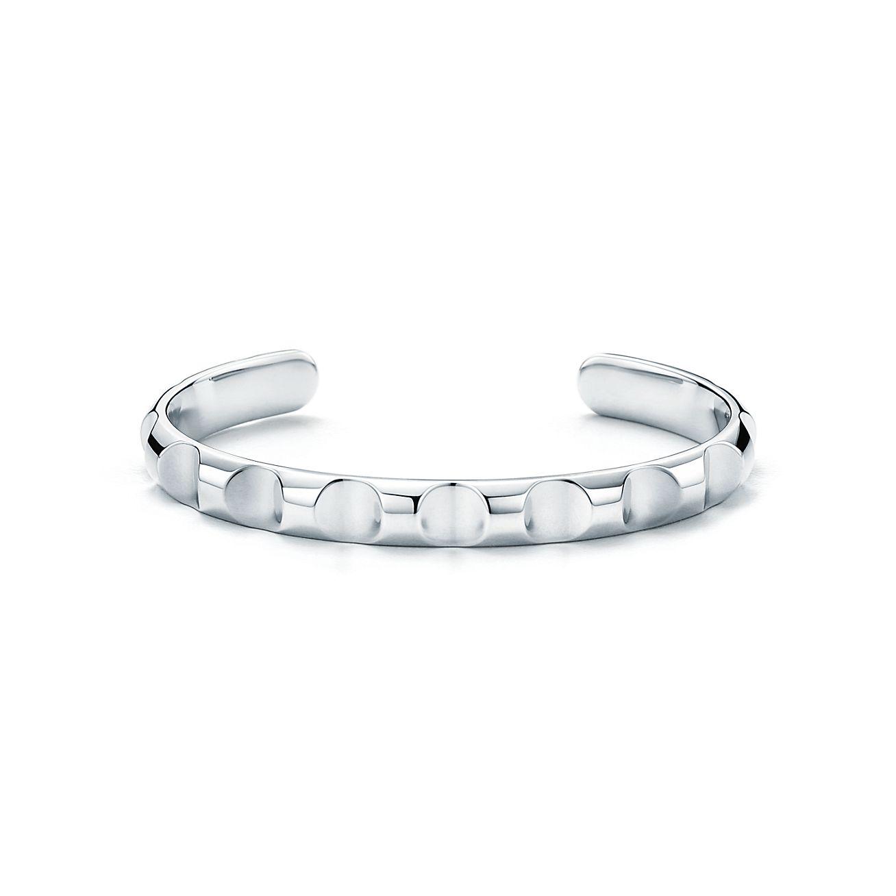 Palomas Groove narrow cuff in titanium, small Tiffany & Co.