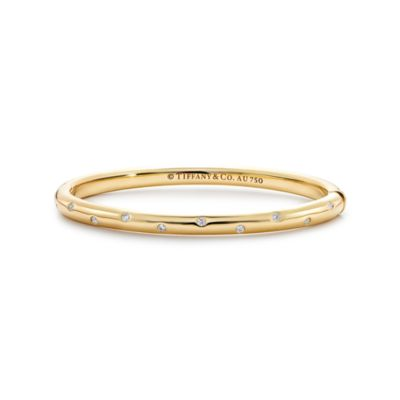Etoile bangle in 18k gold with round brilliant diamonds medium