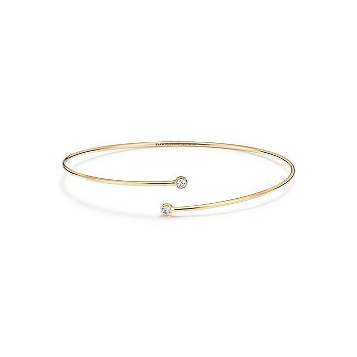 73884162f Elsa Peretti™ Diamond Hoop single-row bangle in 18k gold with ...