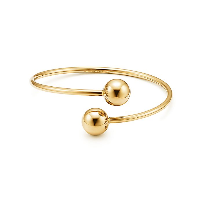 39d85ab08 Tiffany HardWear ball bypass bracelet in 18k gold, medium. | Tiffany ...