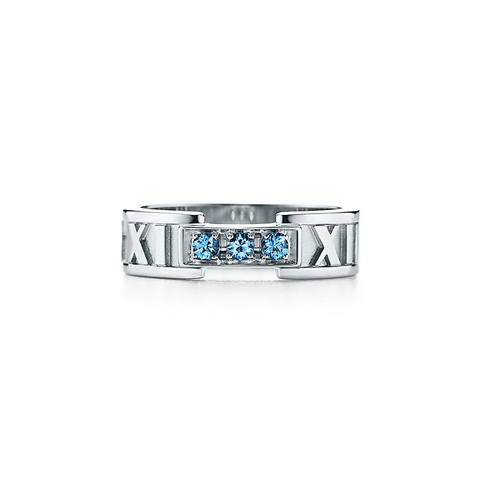 df318b83e Atlas® closed narrow ring in 18k white gold with Montana sapphires ...