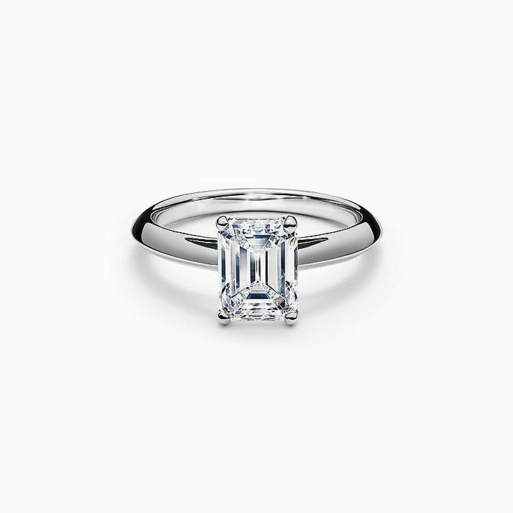 エメラルド カット ダイヤモンド エンゲージメント リング プラチナ