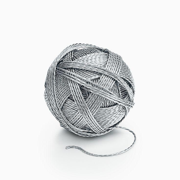 Предметы обихода: моток ниток из стерлингового серебра