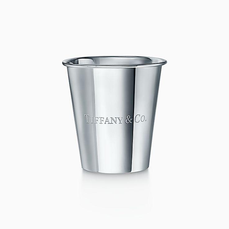 Предметы обихода: бумажный стаканчик из стерлингового серебра