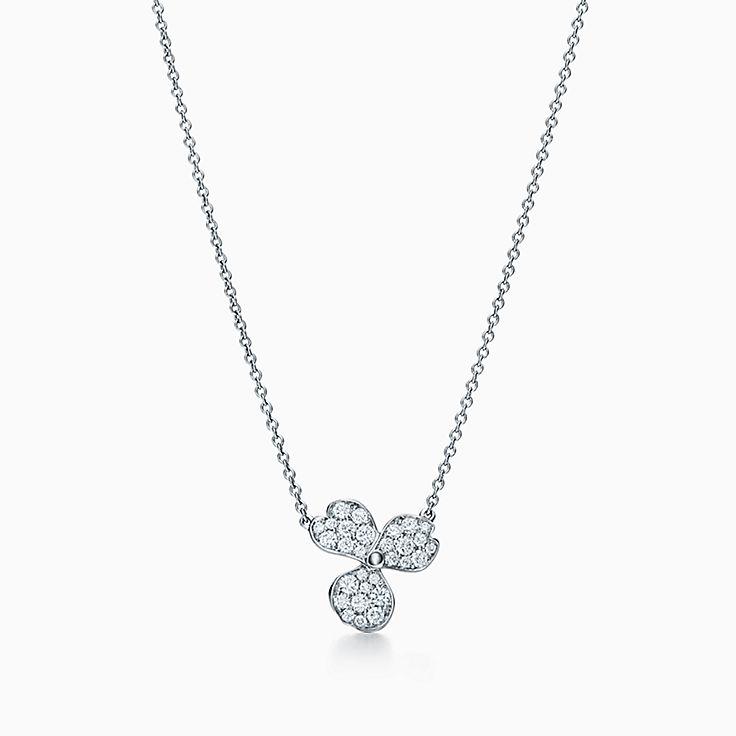 Collezione Tiffany Paper Flowers®:Pendente Flower con pavé di diamanti
