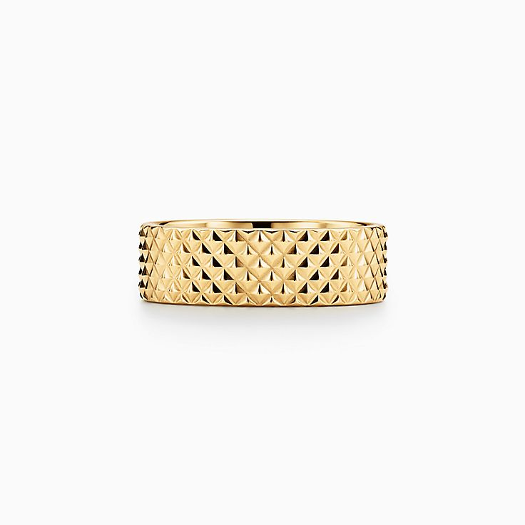 Diamond Point:Wide Ring in 18k Gold