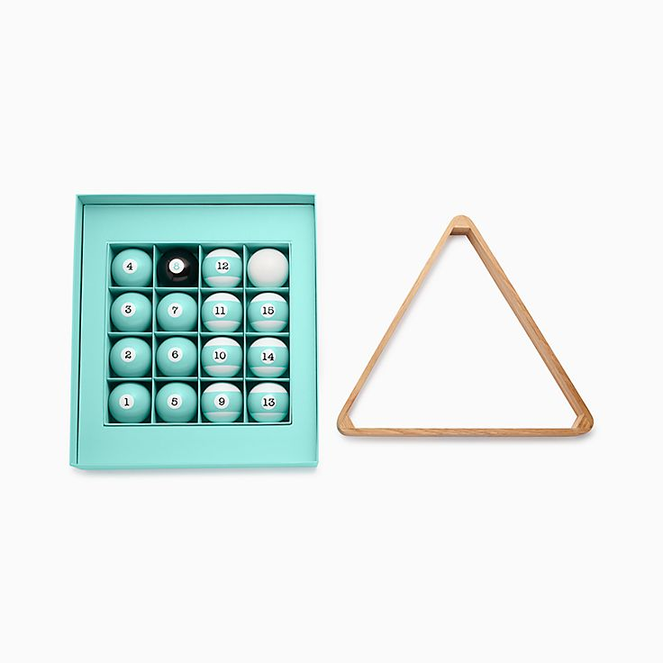 Everyday Objects:Wood Pool Triangle and Ball Set