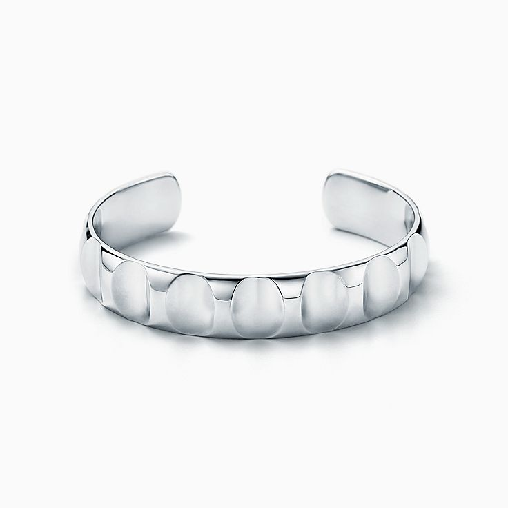 Groove de Paloma Picasso: bracelete largo